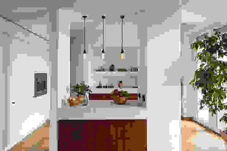 Woodboard House Sala da pranzo minimalista di Atelier Blank Minimalista