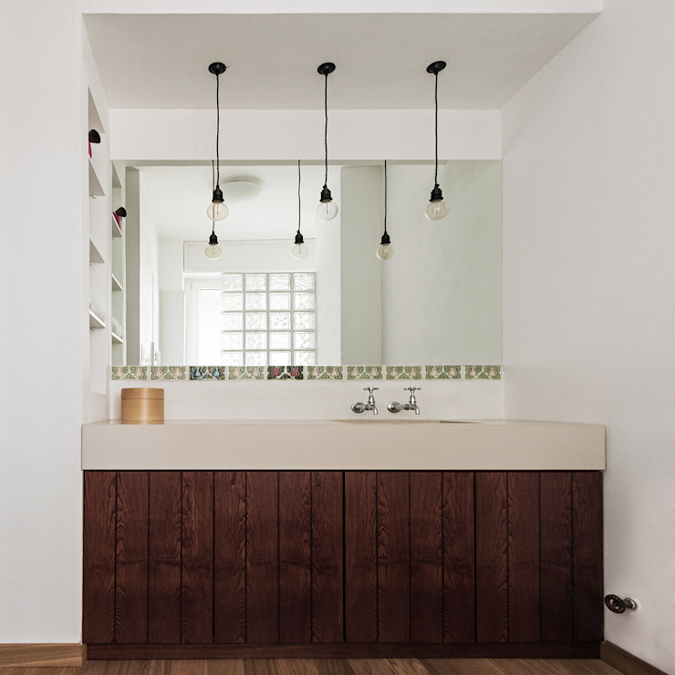 Woodboard House Bagno minimalista di Atelier Blank Minimalista