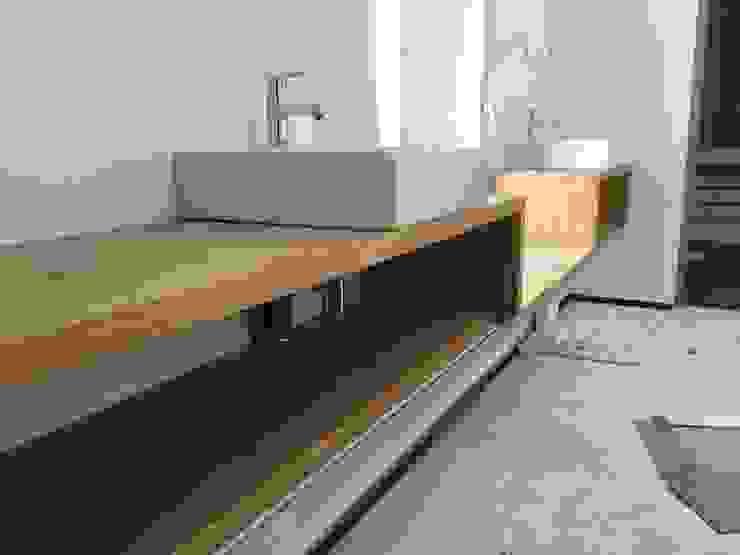 Badeinrichtung: modern  von Haus Wieckin,Modern