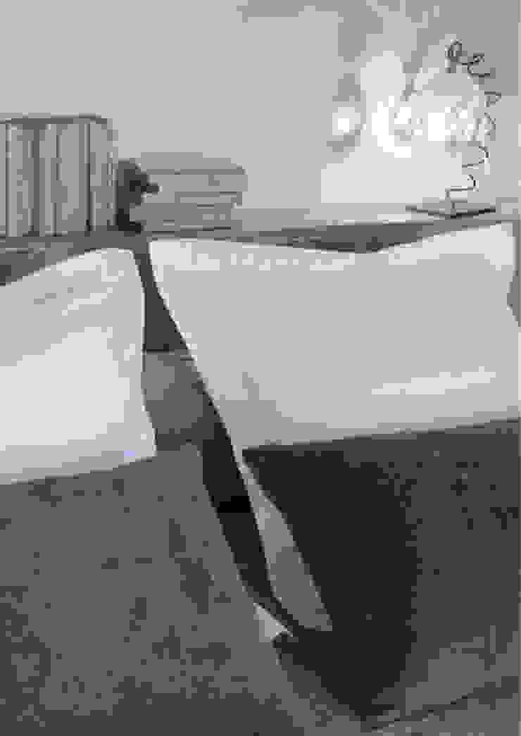 IN PLACE Dormitorios de estilo moderno de La Maison Barcelona Moderno