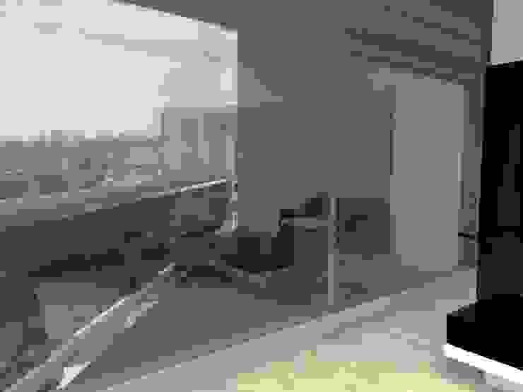 TB1504 Balcones y terrazas modernos de Arq. Jacobo Smeke Moderno