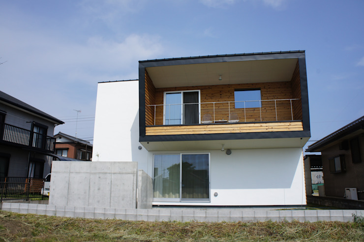 The House for ride the wave. オリジナルな 家 の tai_tai STUDIO オリジナル