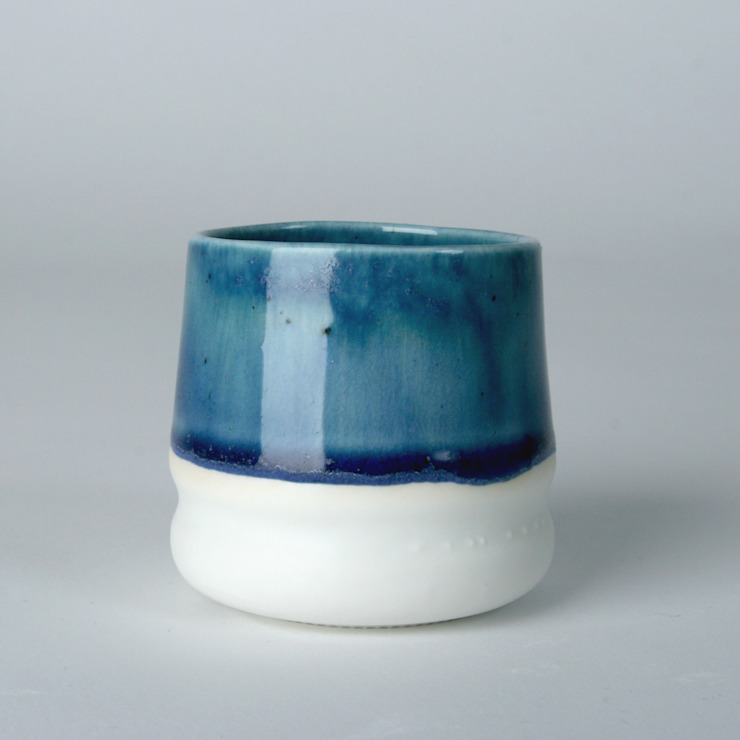 Enkel Glas #1 blauw: modern  door Studio Ineke van der Werff, Modern