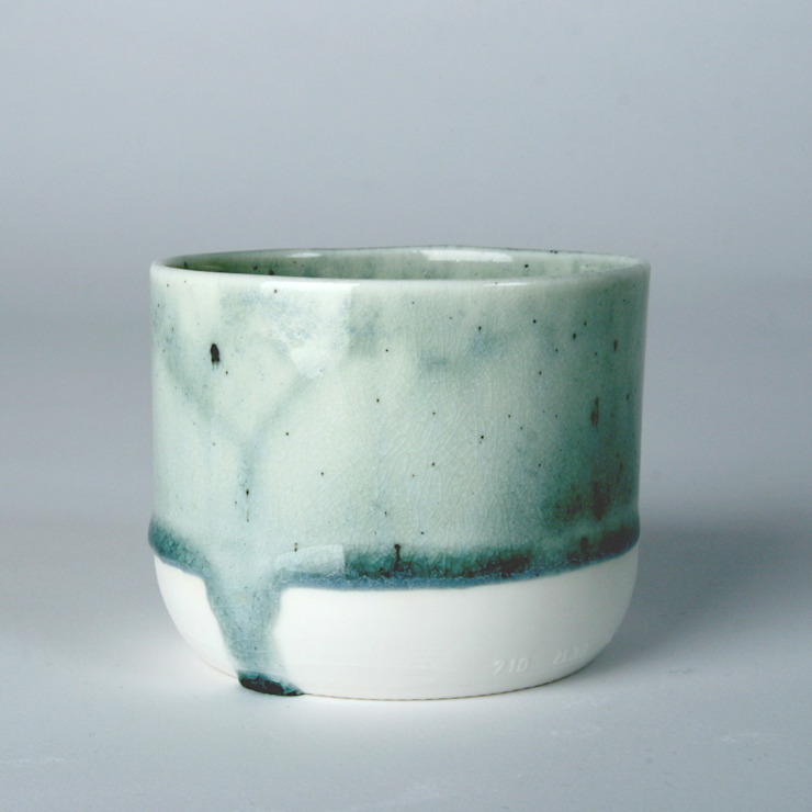 Enkel glas #3 grijs: modern  door Studio Ineke van der Werff, Modern