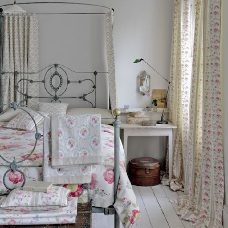 Clarke and Clarke - Romance Fabric Collection Landelijke slaapkamers van Curtains Made Simple Landelijk