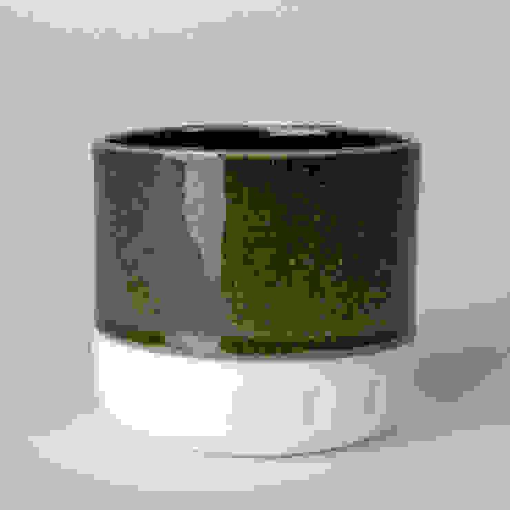 Enkel glas #4 zwart: modern  door Studio Ineke van der Werff, Modern