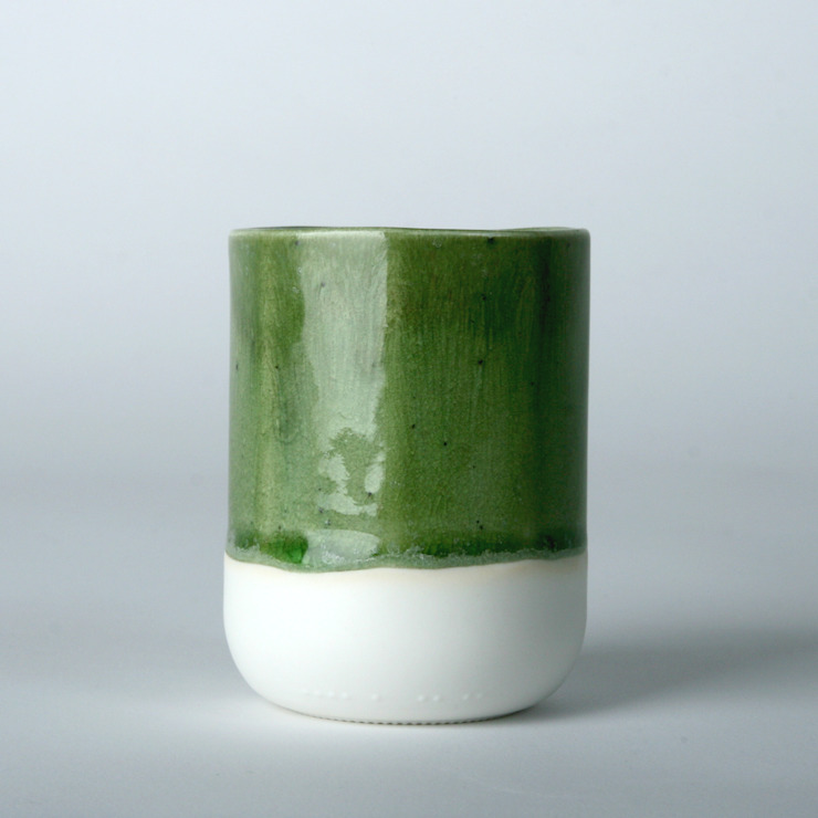 Enkel glas #5 groen: modern  door Studio Ineke van der Werff, Modern