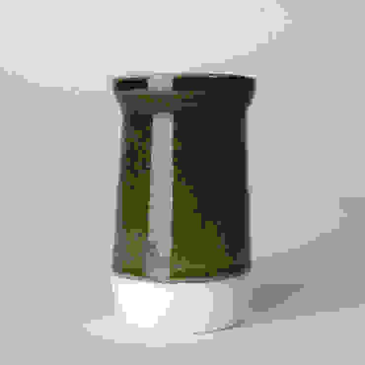 Enkel glas #7 zwart: modern  door Studio Ineke van der Werff, Modern