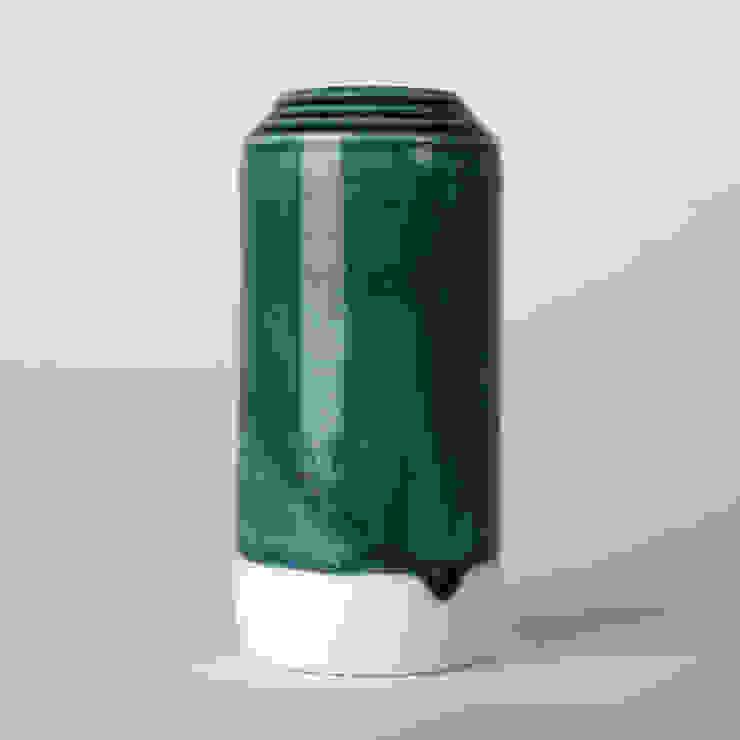 Enkel glas #9 blauwgroen: modern  door Studio Ineke van der Werff, Modern