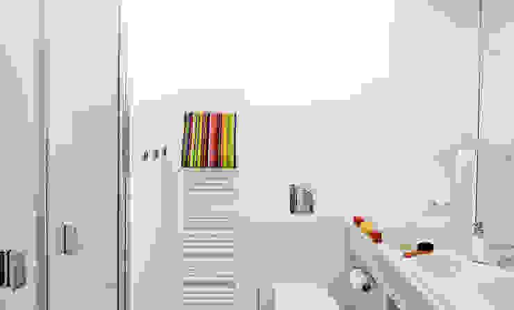 Pracownia projektowa artMOKO Minimalist bathroom