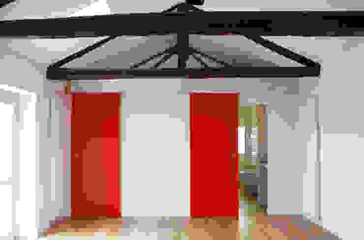 Salones de estilo minimalista de Studio999 Minimalista