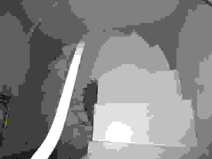 Studio Mazzei Architetti Modern Corridor, Hallway and Staircase