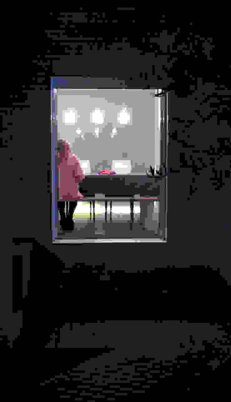 Expremiendo cada rincon Puertas y ventanas de estilo minimalista de ACA.Alfonso Cort Arquitecto Minimalista