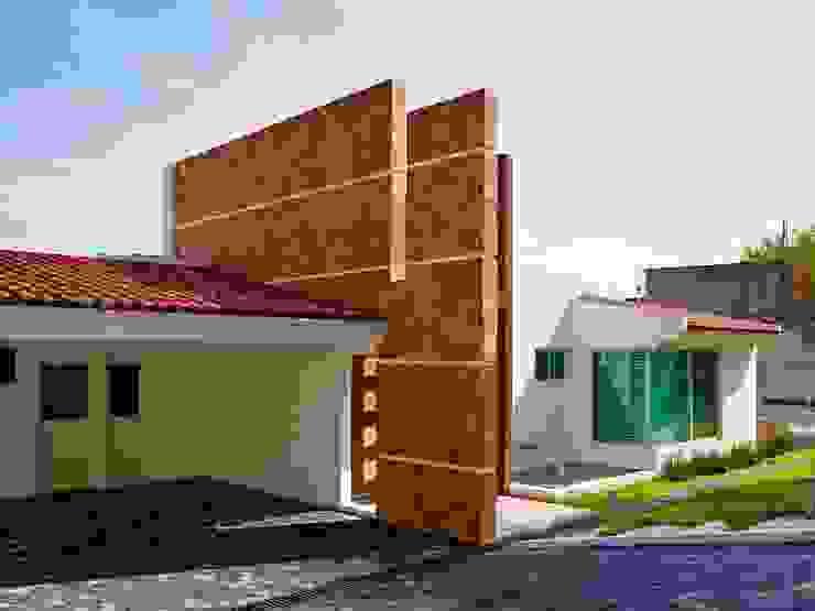 Garagens e arrecadações modernas por Excelencia en Diseño Moderno