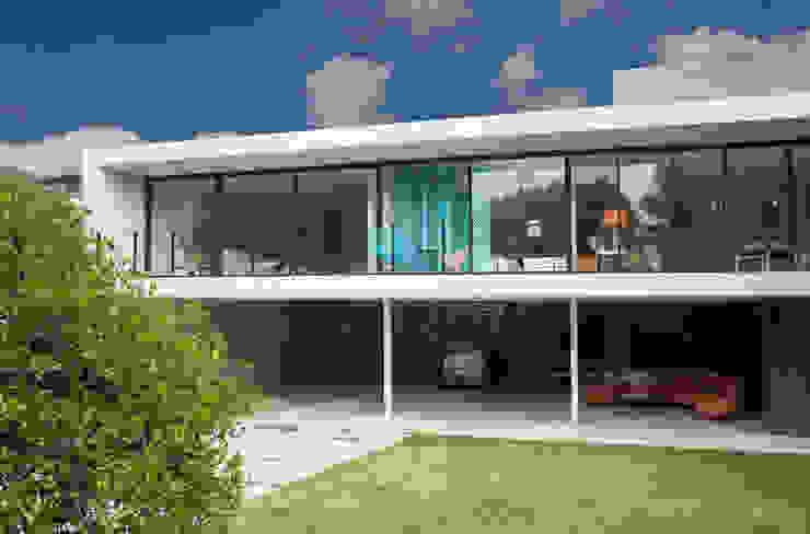 Modern houses by DF ARQUITECTOS Modern