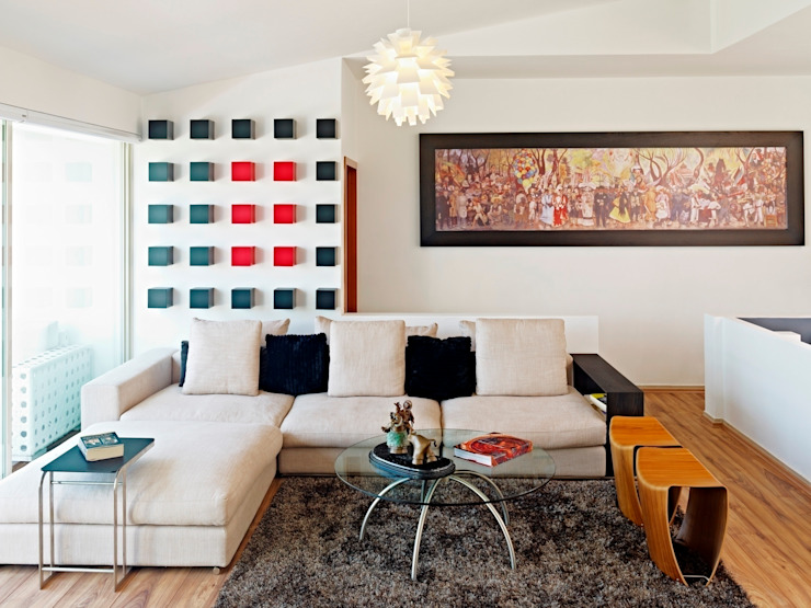 Salas / recibidores de estilo  por Excelencia en Diseño,