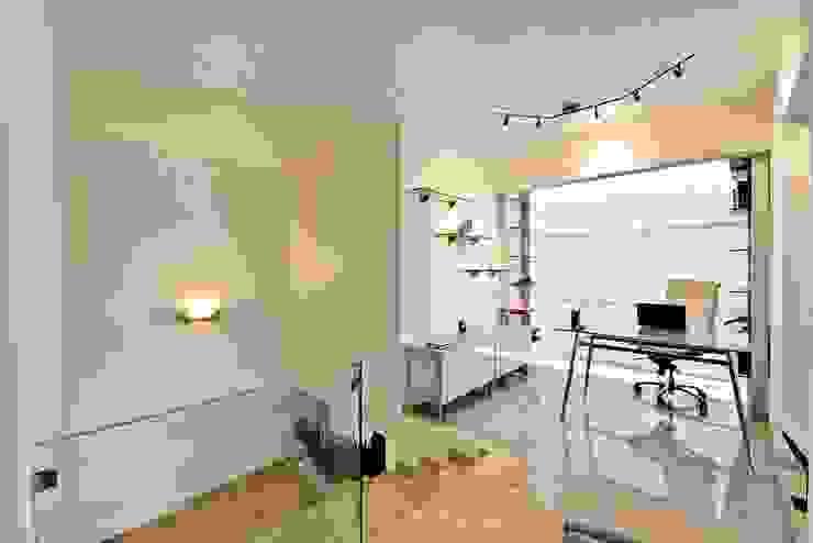 Casa NB Estudios y despachos minimalistas de Excelencia en Diseño Minimalista