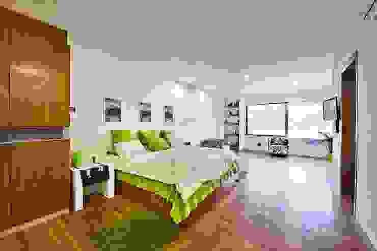 Minimalist bedroom by Excelencia en Diseño Minimalist