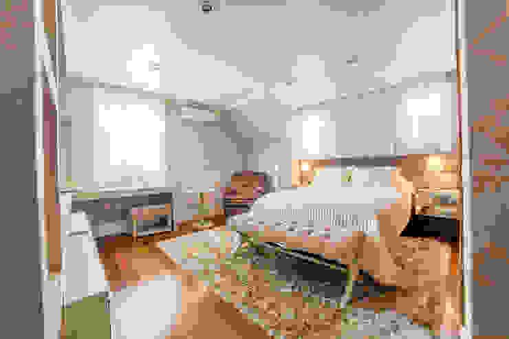 Dormitório Casal Quartos modernos por homify Moderno