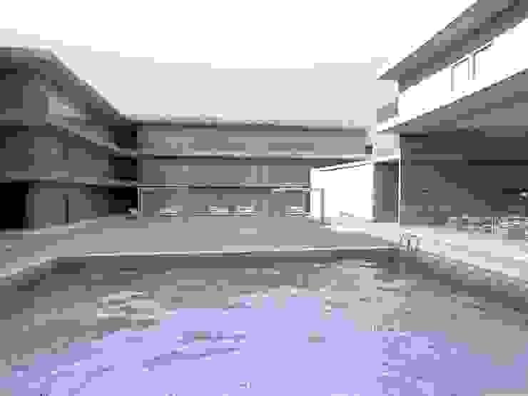 CRC-CLAV Casas modernas de Arq. Jacobo Smeke Moderno