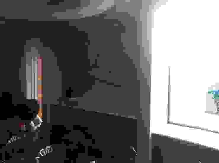 Modern dining room by Arq. Jacobo Smeke Modern