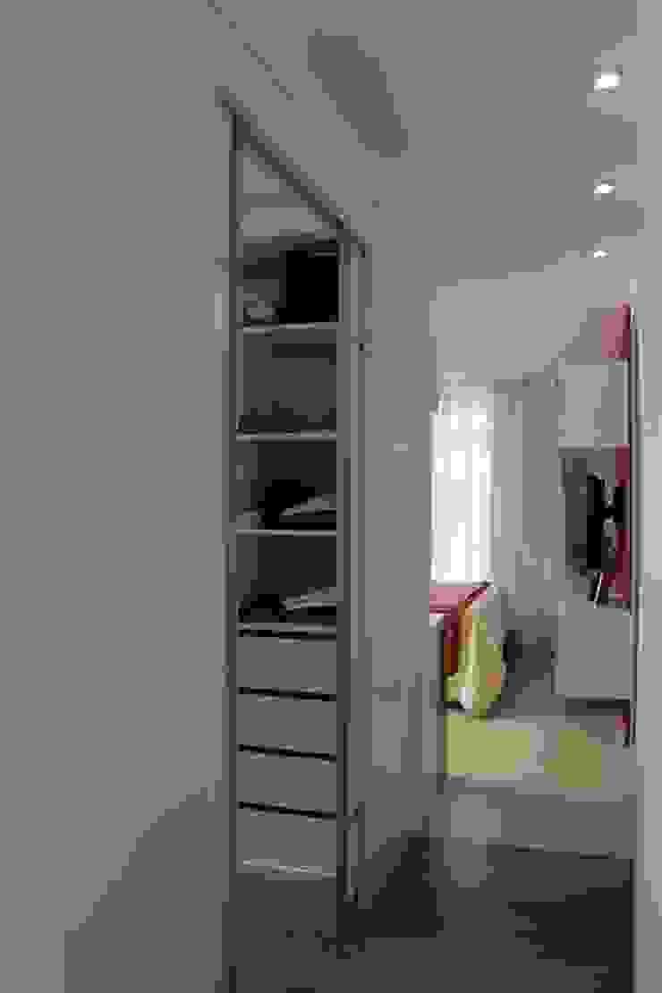 Residência Jaguaribe Closets por Dauster Arquitetura Moderno