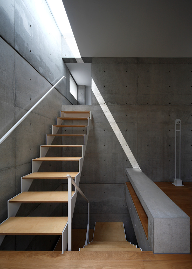 階段 モダンスタイルの 玄関&廊下&階段 の 田中幸実建築アトリエ モダン