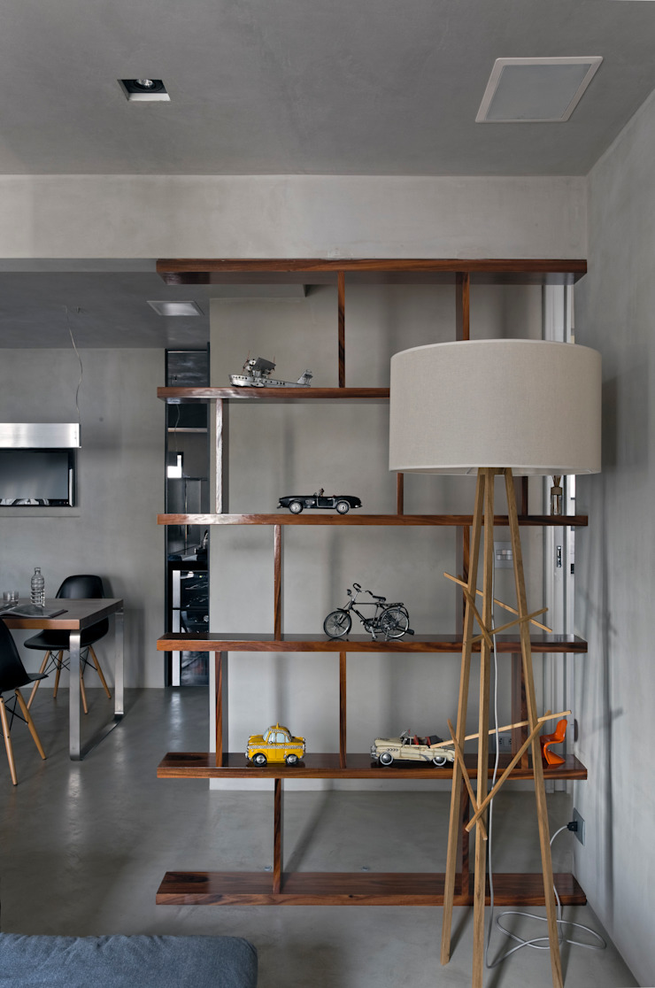 Real Parque Loft Salas de estar modernas por DIEGO REVOLLO ARQUITETURA S/S LTDA. Moderno