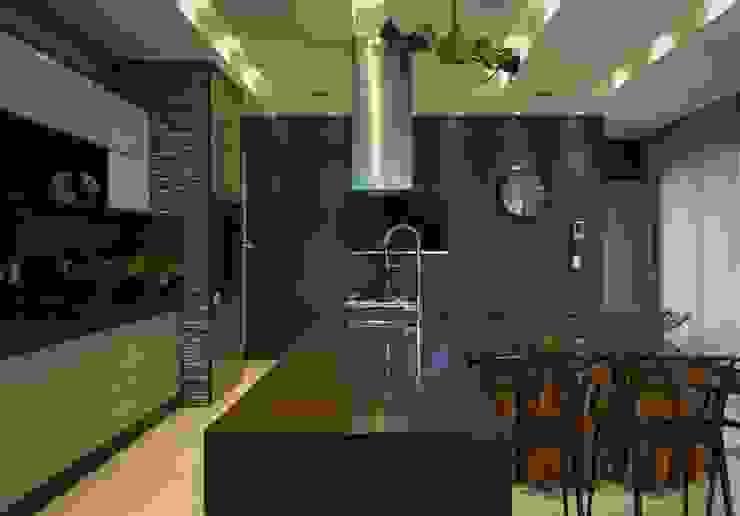 Cocinas de estilo moderno de RABAIOLI I FREITAS Moderno