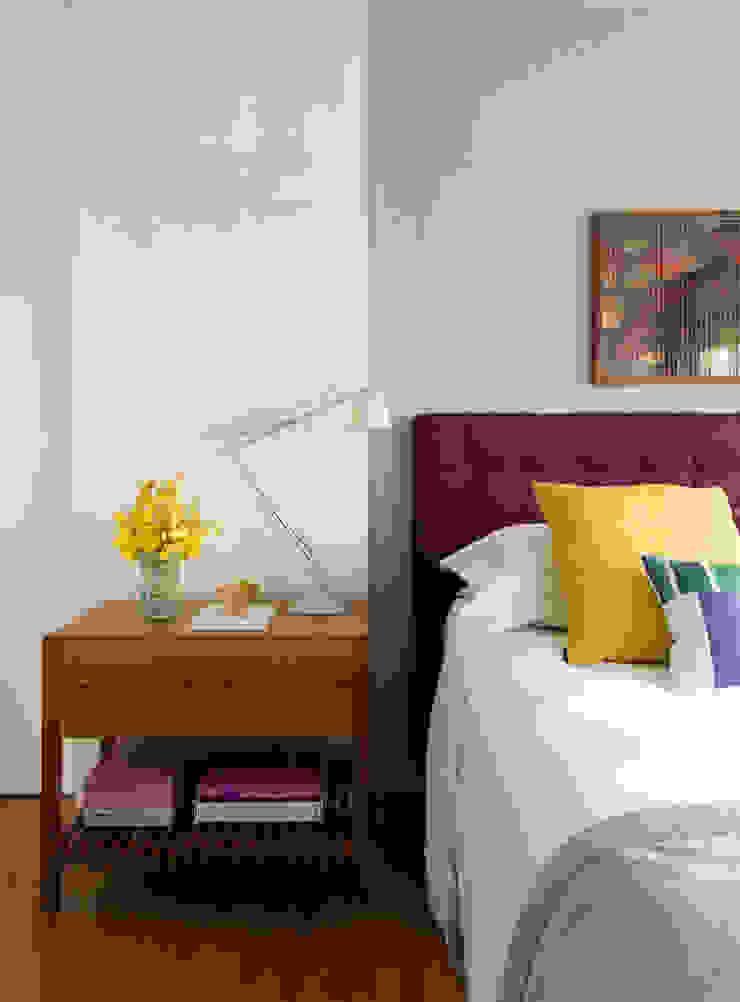 Panamby Apartment DIEGO REVOLLO ARQUITETURA S/S LTDA. Quartos modernos