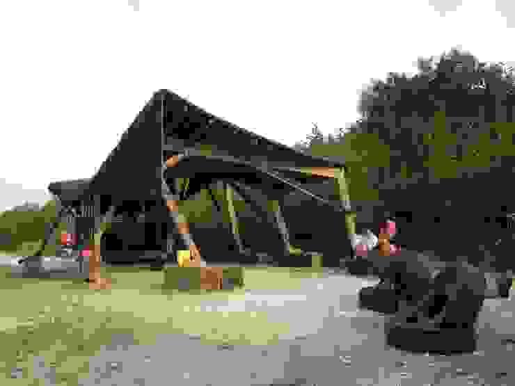 FRINGERATOR Tropische garage van refunc.nl Tropisch