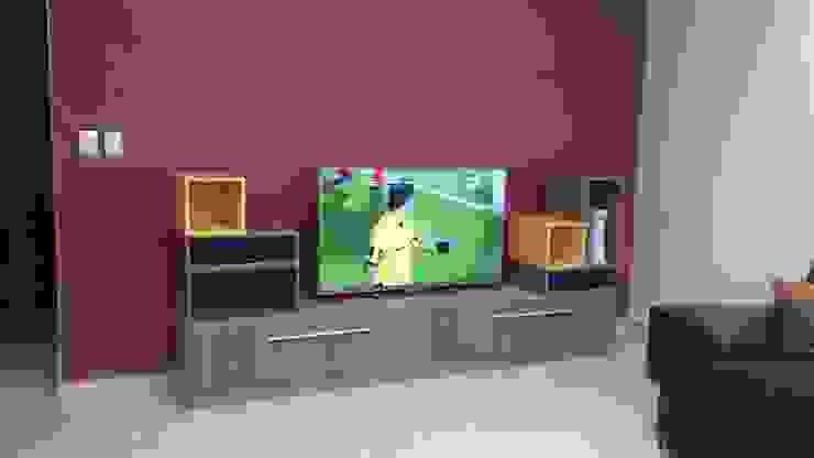 MUEBLE DE TELEVISION MODULAR de AMÉTRICO ESTUDIO Moderno