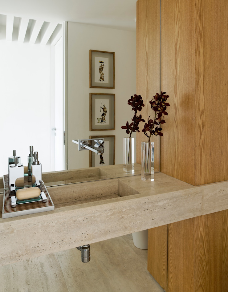 Panamby Apartment Banheiros modernos por DIEGO REVOLLO ARQUITETURA S/S LTDA. Moderno