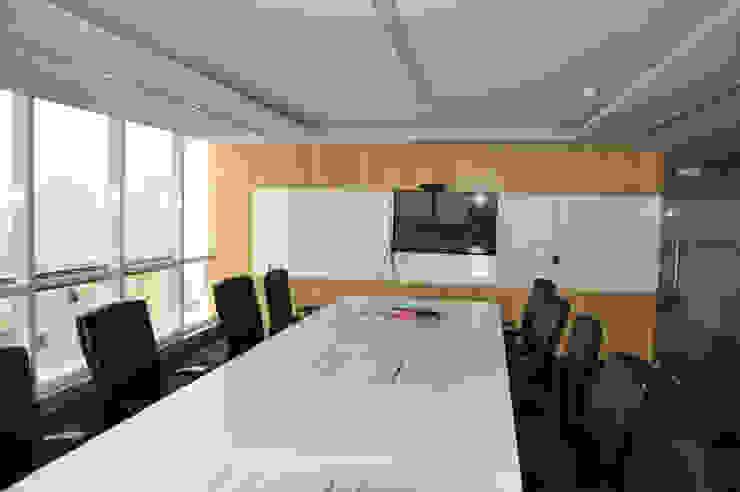 Daffodil Software Pvt. Ltd (Phase I) | DLF Silokhra, SEZ, Sector-30, Gurgaon by Horizon Design Studio Pvt Ltd