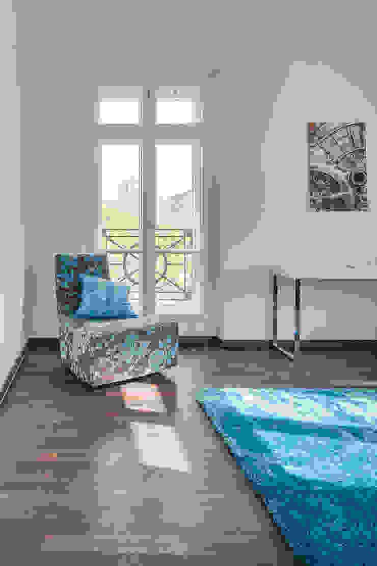 16elements GmbH Modern style bedroom