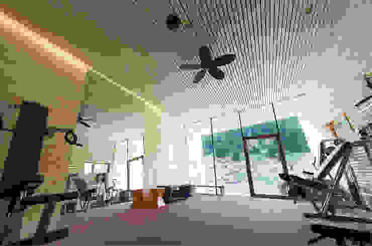 Modern gym by BAU.GENIAL Modern