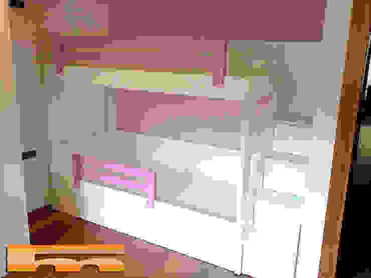 Litera con escalera de cajones Habitación Niñas de Fusteriamanel.com Moderno