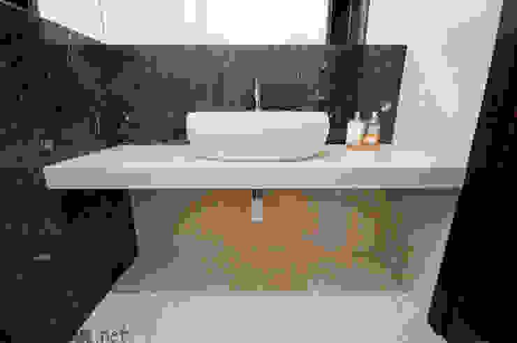 Połączenie naturalnych marmurów Fossil Brown i Galala Klasyczna łazienka od GRANMAR Borowa Góra - granit, marmur, konglomerat kwarcowy Klasyczny