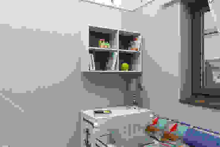 Мансардная квартира Детская комната в стиле модерн от Студия дизайна и декора Светланы Фрунзе Модерн