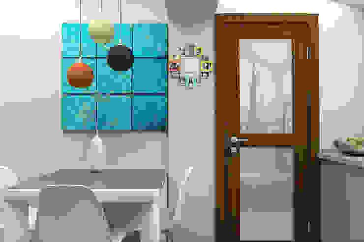 Мансардная квартира Столовая комната в стиле модерн от Студия дизайна и декора Светланы Фрунзе Модерн