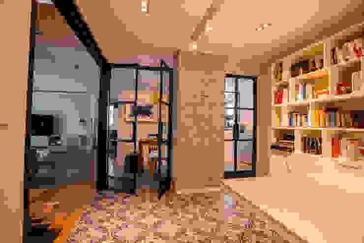 Estudios y oficinas de estilo  por homify , Moderno
