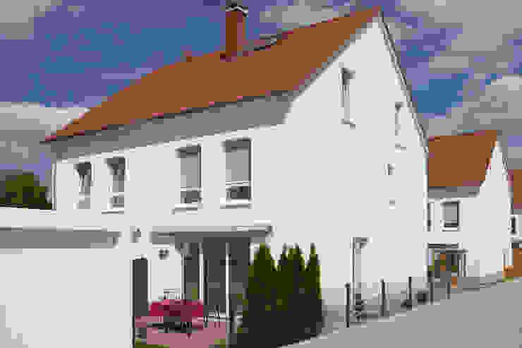 Traumhaus das Original - Dirk van Hoek GmbH Classic style houses