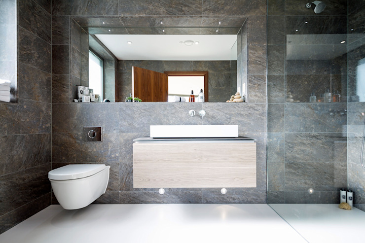 Ventura Modern bathroom by David James Architects & Partners Ltd Modern