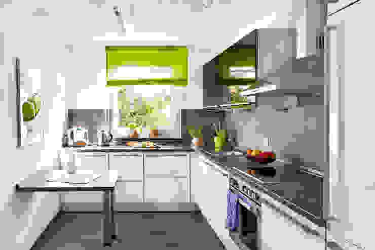 Traumhaus das Original - Dirk van Hoek GmbH Kitchen