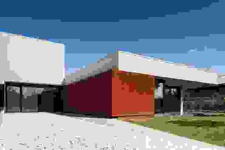 Casa na Beloura, Sintra Casas minimalistas por Estúdio Urbano Arquitectos Minimalista