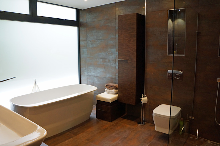 Nairn Road, Canford Cliffs Modern bathroom by David James Architects & Partners Ltd Modern