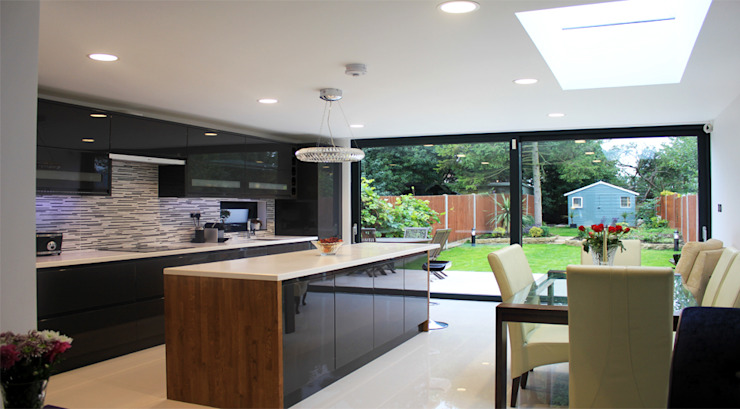 New Malden, Surrey Modern kitchen by Consultant Line Architects Ltd Modern