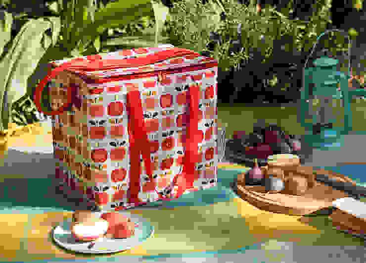 Recycled Vintage Apple Picnic Bag por Dotcomgiftshop Campestre