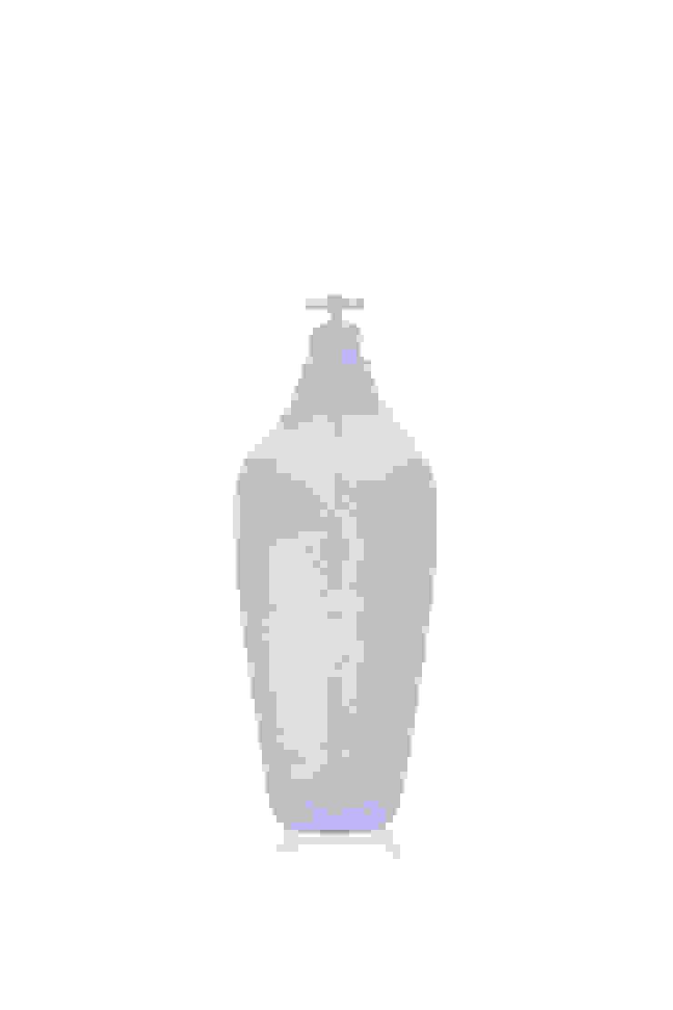 Tap Water Carafe 3.2 Dune Water - Light Blue: modern  door Studio Lotte de Raadt, Modern