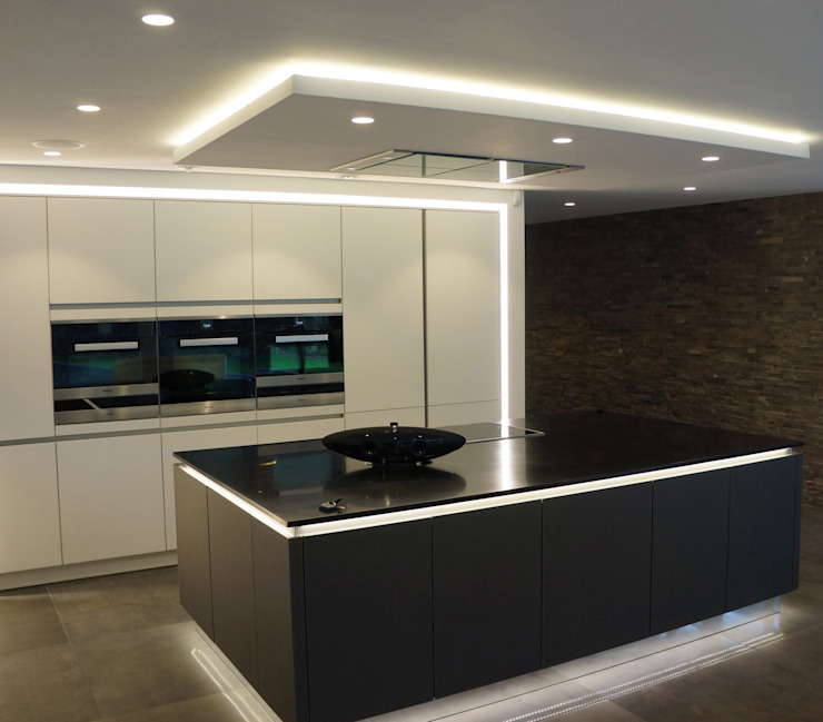 Nairn Road, Canford Cliffs Modern kitchen by David James Architects & Partners Ltd Modern